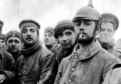 1914 LA TREGUA DI NATALE: RISCOPRISI UMANI NELLA TERRA DI NESSUNO